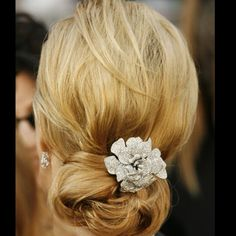 Vintage Hairstyles Updo long hairstyles over 50 - chignon for mature women Mother Of The Bride Hairdos, Bride Hairstyles For Long Hair, Easy Updo Hairstyles, Hairstyles Over 50, 2015 Hairstyles, Older Women Hairstyles, Hair Updo, Celebrity Hairstyles, Pretty Hairstyles