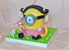 Minion Female Cake