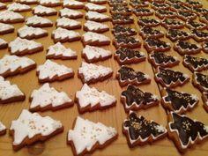 Karácsonyi mézeskalács dekorálás - videókkal   mókuslekvár.hu Gingerbread Cookies, Waffles, Breakfast, Food, Gingerbread Cupcakes, Morning Coffee, Essen, Waffle, Meals
