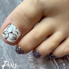 Glitter Toe Nails With Butterfly See more nail art ideas that will inspire your creativity! Toe Nail Color, Toe Nail Art, Nail Colors, Glitter Toe Nails, Cute Toe Nails, Glitter Heels, Matte Nails, Acrylic Nails, Art Deco Nails