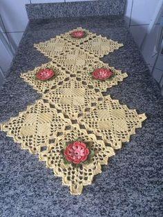 Items similar to Caminho de mesa em croche, Crochet table runner on Etsy Crochet Placemats, Crochet Table Runner, Crochet Borders, Crochet Diagram, Crochet Stitches Patterns, Crochet Squares, Crochet Granny, Filet Crochet, Crochet Dollies