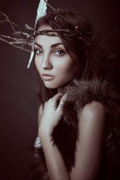 Model : Roksana Orłów Photo : Mateusz Bortlik