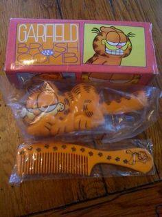 1978 Avon Garfield Brush & Comb Set - had this - loved Garfield :-)