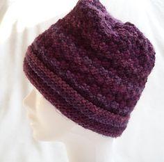 PRUNELLE est un bonnet moelleux, facilement réalisable par un(e) tricoteur(euse) débutant(e)!