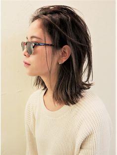 ヘアー サンディ(hair SUNDY)☆ 外国人風【 切りっぱなしボブ 】 ヌケ感ミディアム ☆ Hairstyles With Bangs, Easy Hairstyles, Medium Hair Styles, Short Hair Styles, Hair Arrange, Lob Haircut, Hair Setting, My Hairstyle, Asian Hair
