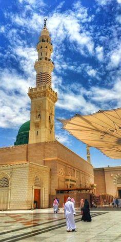 Masjid Haram, Al Masjid An Nabawi, Mecca Masjid, Ocean Wallpaper, Islamic Wallpaper, Beautiful Mosques, Beautiful Places, Pilgrimage To Mecca, Muslim Images