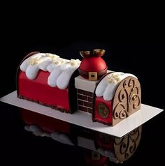 Chef Maria Selyanina presents Choco-Noël - Trend Christmas Cake 2019 Beautiful Desserts, Cute Desserts, Beautiful Cakes, Christmas Cake Decorations, Christmas Desserts, Christmas Baking, Log Cake, Cake & Co, Xmas Food