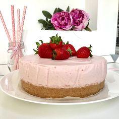Erdbeer joghurt torte mit butterkeksboden