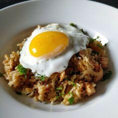 Paistettu riisi kimchillä - kimchi fried rice Kimchi Fried Rice, Chili, Frozen, Cooking, Breakfast, Ethnic Recipes, Food, Red Peppers, Kitchen
