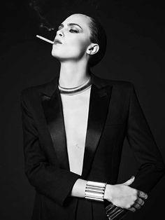 "Cara Delevingne by Hedi Slimane for Saint Laurent - ""La Collection De Paris, Winter No Smoking, Women Smoking, Girl Smoking, Pelo Editorial, Editorial Fashion, Cara Delevingne Photos, Estilo Dandy, Look Fashion, Fashion Models"
