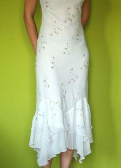 Kup mój przedmiot na #vintedpl http://www.vinted.pl/damska-odziez/dlugie-sukienki/7633490-szyfonowa-zwiewna-sukienka-w-kwiatki-36