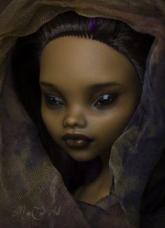 Monster High Clawdeen Wolf repaint. #dollrepaint #customrepaint #customdoll #MonsterHighDoll #MonsterHighrepaint #MonsterHigh #MonsterHighClawdeenWolf #ClawdeenWolf #Clawdeen #repaint #doll Monster High Dollhouse, Custom Monster High Dolls, Monster High Repaint, Custom Dolls, Ooak Dolls, Art Dolls, Dc Super Hero Girls, Dark Brown Eyes, Doll Painting