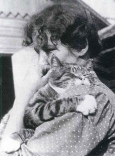 """30 Renowned Authors Inspired By Cats : Edith Södergran"""" Swedish-speaking Finnish poet. I Love Cats, Cool Cats, Celebrities With Cats, Cat People, All About Cats, Vintage Cat, Cat Art, Just In Case, Cat Lovers"""