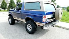 1996 Ford Bronco: Omg, this one is beautiful!