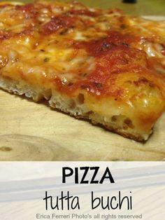 ACQUA 80%. Pizza tutta buchi con lievito di birra ad alta idratazione Focaccia Pizza, Calzone, Pizza Yeast, My Favorite Food, Favorite Recipes, Homemade Frappuccino, Easy Smoothie Recipes, Pizza Dough, Italian Recipes