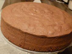Kakaový olejový korpus na dort recept - TopRecepty.cz Czech Desserts, Sweet Desserts, Sweet Recipes, Czech Recipes, Russian Recipes, Baking Recipes, Cake Recipes, Healthy Diet Recipes, Fondant Cakes