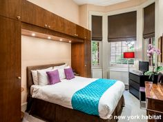 Live life on the wild side when you stay in this boldly decorated #furnished #vacation #rental in #London.