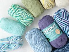 Cotton meets one-of-a-kind color for a whopping 608 yards of fiber bliss! Bernat Handicrafter Big Ball Cotton Ombres & Prints are light, breezy and dependable, making them perfect choices for flowy...