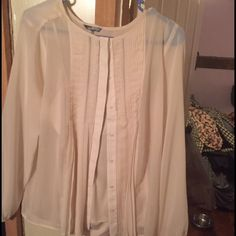 Daisy Fuentes Cream Pleated Dress Shirt Dress shirt with cami Daisy Fuentes Tops Blouses