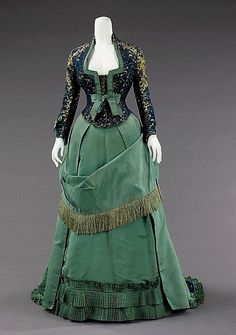 A strikingly lovely green, navy blue and gold dress from 1875. #Victorian #dress #fashion #1800s