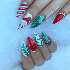 60 christmas nails offers you a special look at the festival 43 Crazy Nail Designs, Winter Nail Designs, Christmas Nail Designs, Christmas Nail Art, Love Nails, Fun Nails, Pretty Nails, Xmas Nails, Holiday Nails