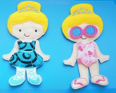This is a complete felt doll set with 6 outfits. Perfect for a birthday gift, a stocking or as a quiet play set in the car or for nap time. This set includes: 1 doll 2 dresses 1 jeans/t-shirt/shoes 1 swimsuit/sunglasses/flipflops 1 tutu 1 nightgown 1 baby doll or teddy bear Fabrics