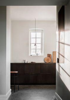 Reform's SURFACE kitchen design by Norm Architects in sawn smoked oak. It's an IKEA hack. Interior Design Kitchen, Modern Interior Design, Danish Kitchen, Spanish Style Decor, Minimalist Kitchen, Cuisines Design, Küchen Design, Scandinavian Design, Scandinavian Interiors