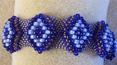 Raised Diamond Bracelet  - odd count Peyote using different sized beads.  #Seed #Bead #Tutorials