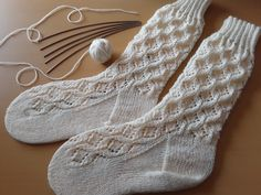 MEIAS DA AVOZINHA Um dos meus modelos de meias favorito - as Meias da Avozinha!!! Fique a saber mais acerca da respectiva criação, clicando na imagem!