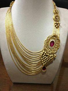 Necklace Diamond Jewelry, Gold Jewelry, Jewelery, Jewelry Necklaces, Indian Necklace, Antique Jewelry, Antique Gold, India Jewelry, Jewelry Patterns