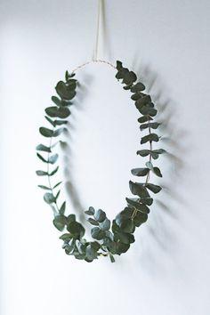 Simple Christmas wreath // Krans av eukalyptus // Eucalyptus