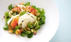 Insalata di arance, songino, pistacchi e finocchi http://www.cucchiaio.it/ricetta/insalata-di-arance--pistacchi-e-finocchi/