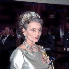 A lovely photo of Alice, Duchess of Gloucester, wearing the turquoise parure in her later years.