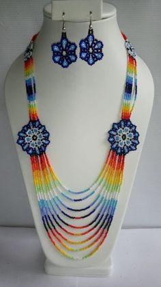 Items similar to Flores Azules on Etsy Seed Bead Necklace, Tribal Necklace, Diy Necklace, Flower Necklace, Beaded Necklace Patterns, Seed Bead Patterns, Beaded Flowers, Bead Art, Jewelry Making