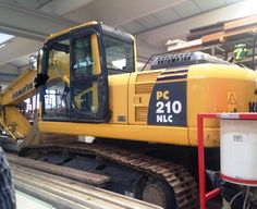 Komatsu PC 210 NLC-8 1440 hrs Year: 2007 Air/co MB Hammer line Hydraulic plants Original paint First owner.