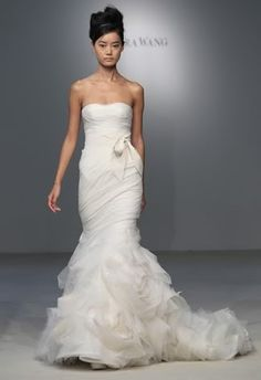 if i did my wedding over,id be wearing this dress!