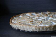 Zitronentarte mit Rosenwasser. Rezept auf http://www.tunesischkochen.de/zitronentarte-mit-baiser/