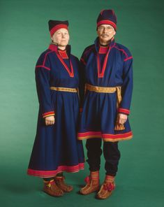 Ivan Inga & Kistina Pejok i Gällivare gamla samedräkt /Gällivare old Saami kirtles. Foto/Photo: Jan Gustafsson, Ájtte museum