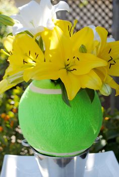 Lily LOVE- A tennis inspired centerpiece. 2 of my favorite things- lily and tennis💛 Tennis Party, Tennis Gifts, Play Tennis, Tennis Table, Tennis Decorations, Tennis Match, Tennis Clothes, Bar Mitzvah, Party Themes
