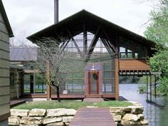 Lake Austin House by Lake Flato Sustainable Architecture, Contemporary Architecture, Architecture Design, Eco Buildings, Future Buildings, Lake Flato, Off Grid House, Haus Am See, Austin Homes