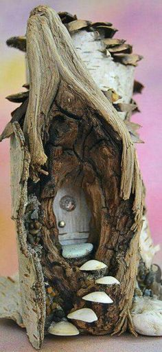 Ideas and Designs for DIY Fairy Furniture Fairy Village, Fairy Tree, Fairy Garden Houses, Gnome Garden, Fairy Gardening, Fairies Garden, Gardening Zones, Gardening Tips, Fairy Crafts