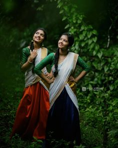 Cute Love Pictures, Girl Pictures, Girl Photos, Girl Pics, Indian Photoshoot, Saree Photoshoot, Beautiful Girl Photo, Beautiful Girl Indian, Sister Photography