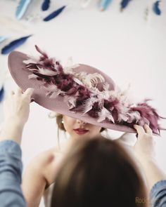 Millinery Hats, Fascinator Hats, African Hats, Colored Highlights, Crazy Hair, Derby Hats, Wedding Looks, Hats For Women, Beautiful Dresses