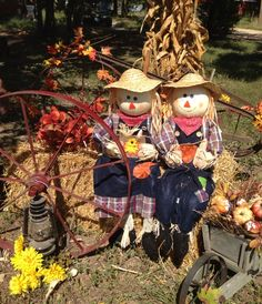 Twin scarecrows