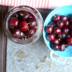 A crazy easy recipe for Drunken Cherries! 15 minutes to prep, and a sabbatical is all it takes for these boozy, gift-worthy, soused summer fruit! Cherry Vodka, Cherry Brandy, Whiskey Recipes, Alcohol Drink Recipes, Frozen Cherries, Frozen Fruit, Drunken Cherries Recipe, Alcohol Soaked Fruit, Homemade Irish Cream