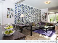 15 Living Room with Floral Wallpapers