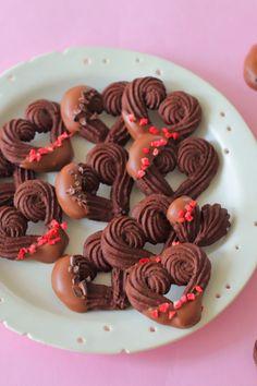 「絞り出しクッキー」えびちゃん♪   お菓子・パンのレシピや作り方【cotta*コッタ】 Dessert Boxes, Dessert Decoration, Cute Food, Yummy Food, Dessert Packaging, Pastry Design, Japanese Cake, Galletas Cookies, Italian Cookies