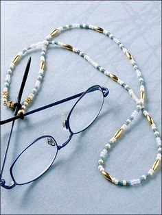 Gold Accents Eyeglass Chain-need to make one of these! Handmade Jewelry Tutorials, Beaded Jewelry Designs, Handmade Necklaces, Custom Jewelry, Gold Accents, Bracelets For Men, Eyeglasses, Jewelery, Beaded Necklace