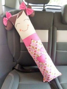 ideas crochet pillow for kids seat belts Sewing Toys, Baby Sewing, Sewing Crafts, Sewing Projects For Kids, Sewing For Kids, Breast Cancer Survivor Gifts, Seat Belt Pillow, Kids Seating, Sewing Pillows