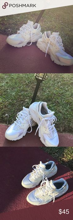 Nike huaraches Nike huaraches white only have been wore about 2-3 time since I have had them. They are in very good shape Nike Shoes